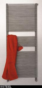 scaldasalviette-radiatori-l-acciao-inox-entra-in-bagno_ixsteel