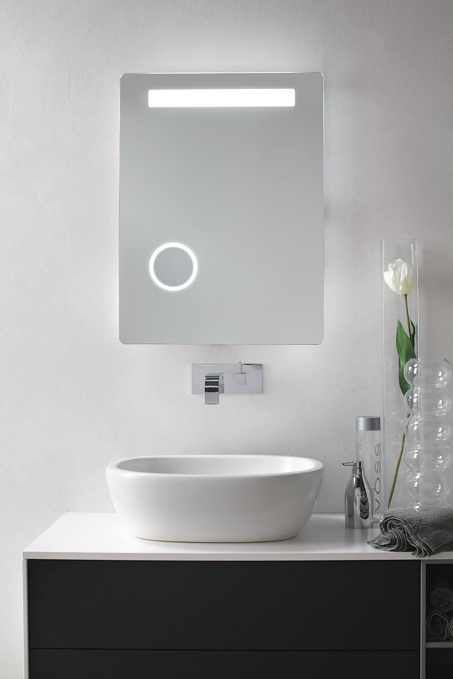 specchiera-retroilluminata-led-vanita-casa-modello-lybra-sintesibagnoblog-01